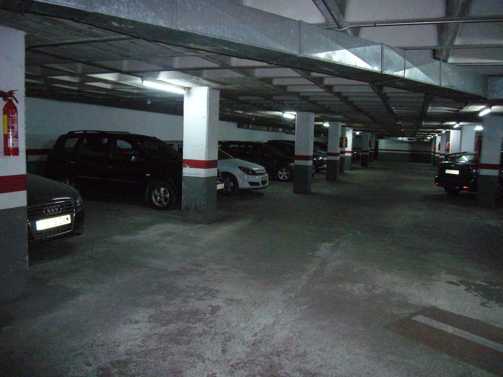 Plaza aparcamiento en Hospitalet de Llobregat