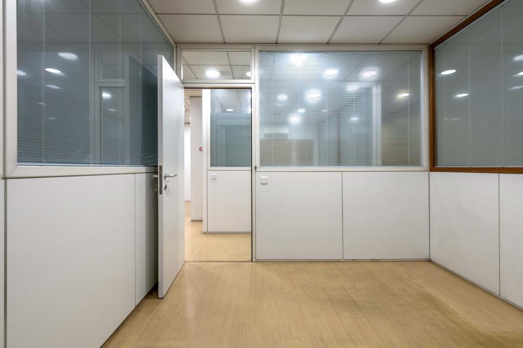 Oficina – Barcelona 300.00 m2 photo12