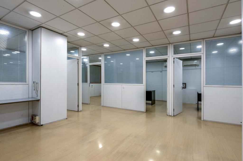 Oficina – Barcelona 300.00 m2 photo14