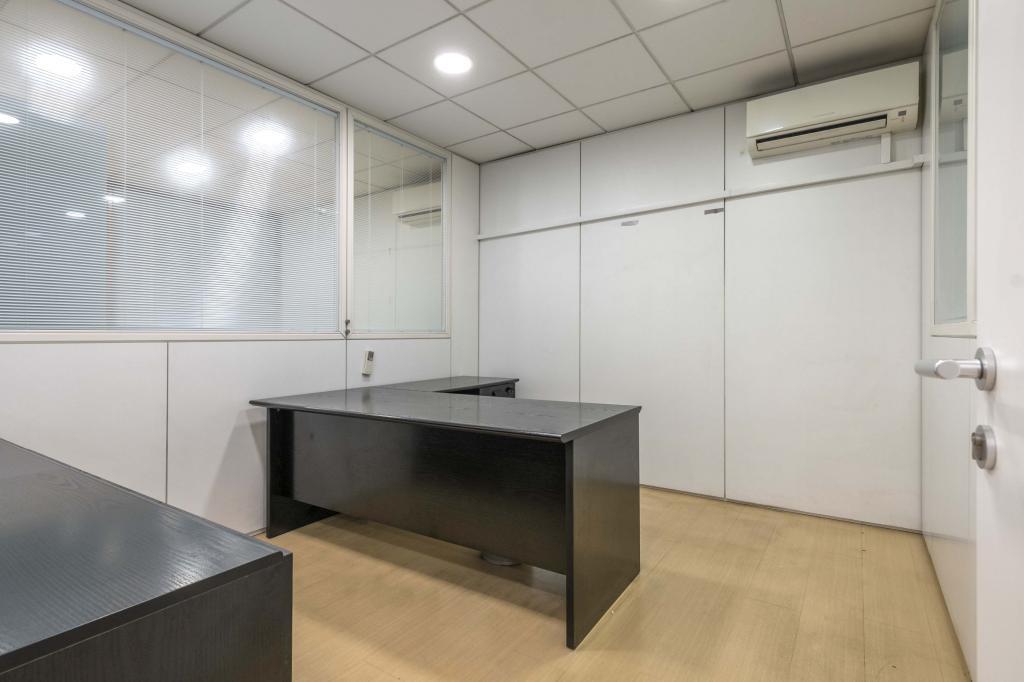 Oficina – Barcelona 300.00 m2 photo15