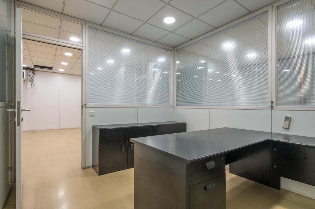 Oficina – Barcelona 300.00 m2 photo16