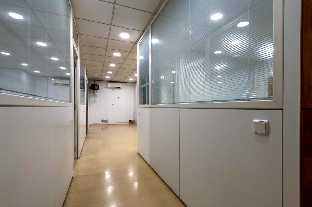 Oficina – Barcelona 300.00 m2 photo10