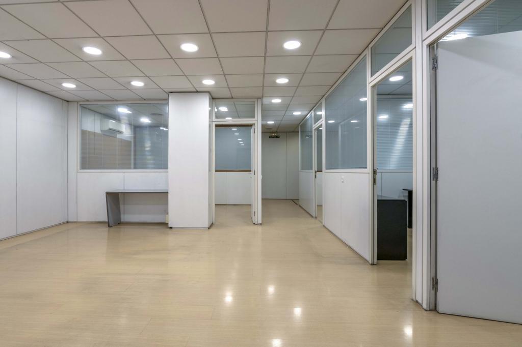 Oficina – Barcelona 300.00 m2 photo17