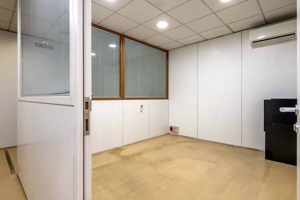 Oficina – Barcelona 300.00 m2 photo11