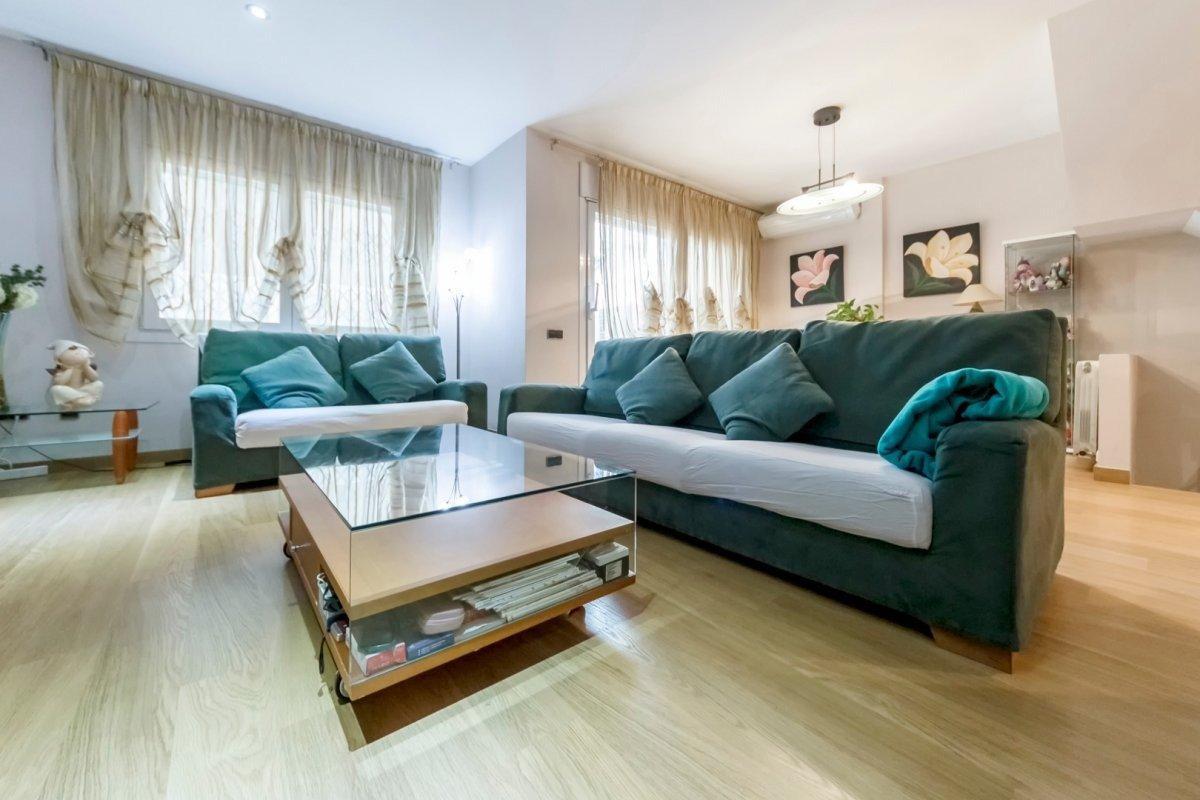 Terraced house – Barcelona 248.00 m2