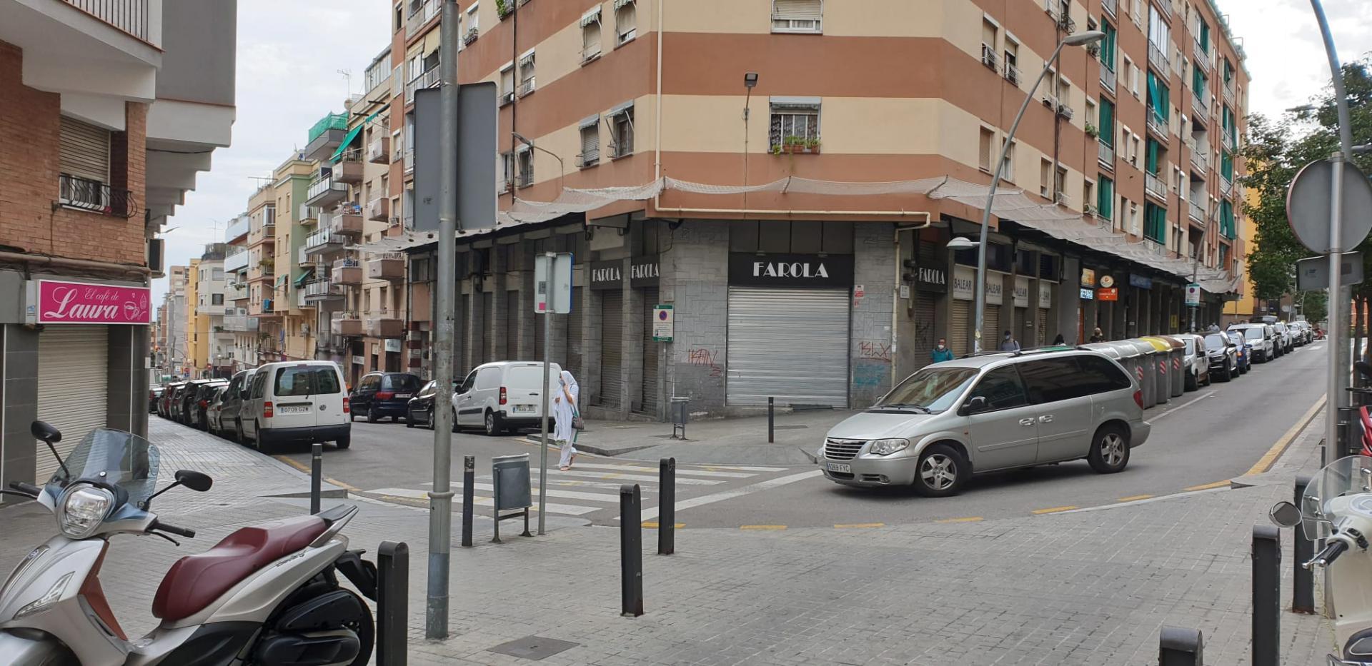 Local comercial – Esplugues de Llobregat 700.00 m2